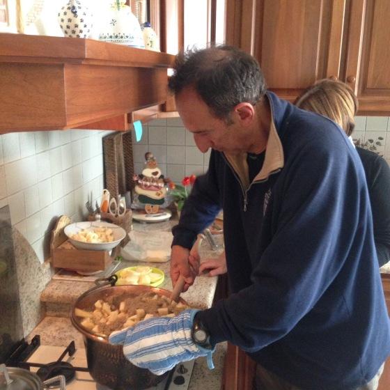 Roberto making pollenta